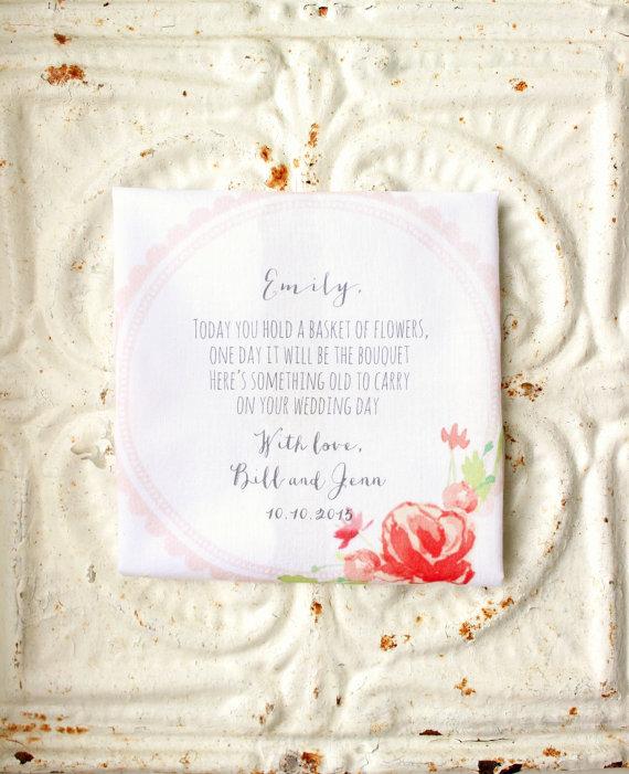 زفاف - flower girl handkerchief . something old to carry printed hankie . scalloped edge cotton wedding hanky . personalized . cottage chic