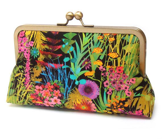 Свадьба - SALE: Clutch bag purse, floral wedding bag, bridesmaid gift, bridal clutch, gift box, GARDEN PARTY noir