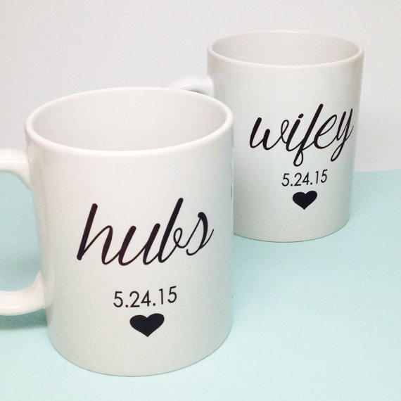 Hochzeit - Personalized Custom Wedding Gift - Bridal Shower Gift - Hubs and Wifey Coffee Mug Set - Unique Bridal Shower Gift - Anniversary Gift - Mugs