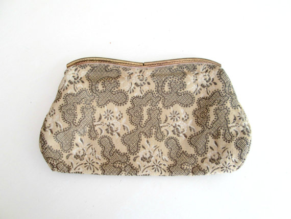 Свадьба - Antique Tapestry Clutch Purse Vintage 1930s Glove Strap Handbag Wedding Something Old