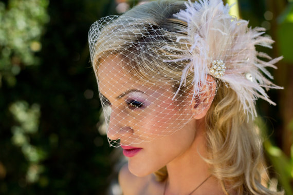 Mariage - New Rock On  - Bridal Feather Fascinator, Bridal Headpiece, Wedding Veil, Wedding Fascinator, Feather Fascinator, Ivory and Blush