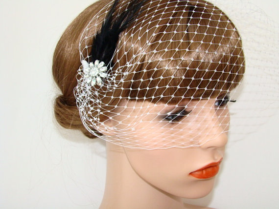 Hochzeit - Birdcage Veil - Black Feather Bridal Fascinator - Bridal Headpiece - 1920s Gatsby Hair Accessories