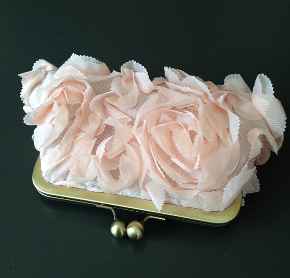 زفاف - SALE - Fairy Tale Wedding - Rosette Nude/Peach Clutch - was 55.00