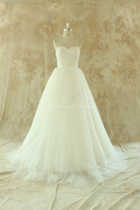 Wedding - Ivory lace A line tulle wedding dress with removable train