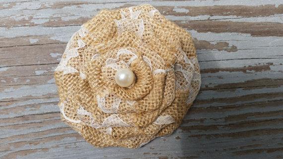 Свадьба - Burlap Hair Clip -Country Wedding/Rustic Wedding/Flower Girl Headband/Flower Girl/Rustic Headband-Burlap-Lace