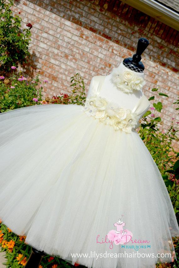 Hochzeit - 5%OFF Ivory flower girl dress. Ivory tutu dress. Ivory vintage flower girl dress. off white flower girl dress. fluffy flower girl dress