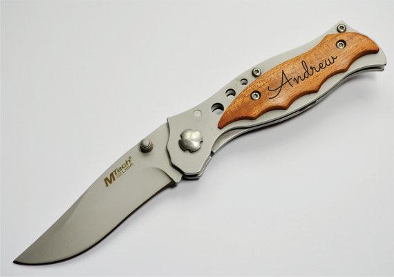 Свадьба - Personalized Knife, Engraved knife, Wood, Folding knife, Fathers Day, Best Man, Groomsmen, Christmas, Birthday, Gift, Hunting knife, custom