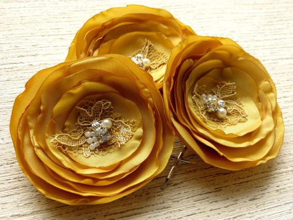 Hochzeit - Gold bridal hair flowers (set of 3), bridal hairpiece, bridal hair accessories, bridal floral headpiece, wedding hair accessories