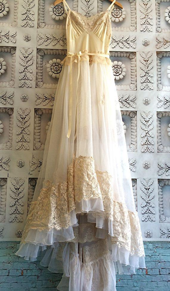 Hochzeit - Cream Nude & White Alencon Lace Appliqué Organza Chiffon Appliqué Princess Wedding Dress By Mermaid Miss K