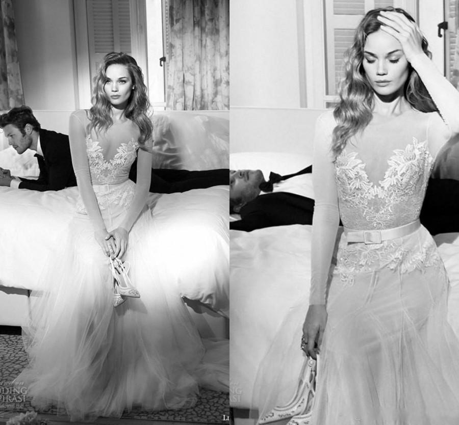 Mariage - Stunning Lihi Hod Wedding Dresses 2015 Vintage Wedding Ball Gown A Line Sheer Scoop Lace Bodice Long Sleeves Bridal Gowns Cheap Tulle Beach Online with $132.62/Piece on Hjklp88's Store