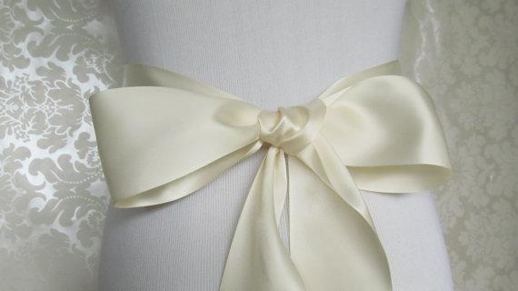 Mariage - Ivory Satin Ribbon Sash / Ribbon Sash / Satin Bridal Sash /  bridesmaid Sash / Ivory