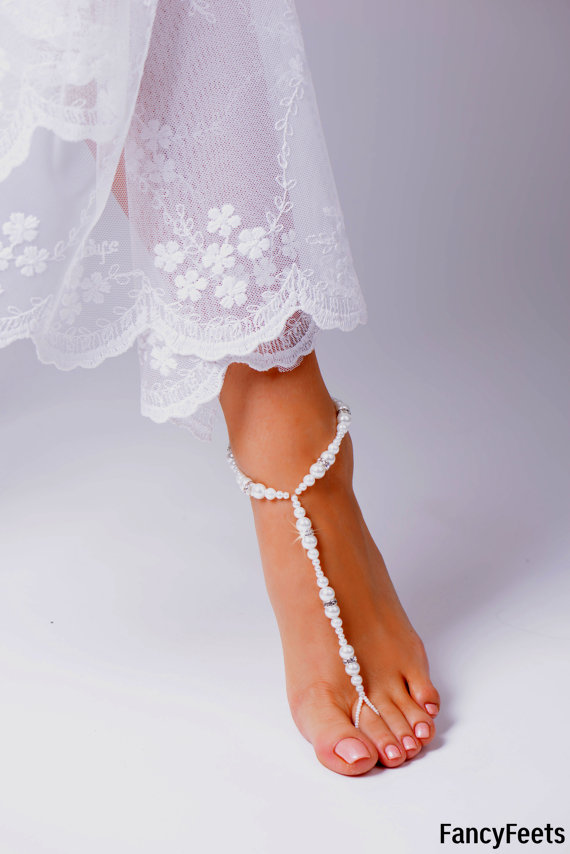 زفاف - Barefoot Sandals, Beaded barefoot sandals, Beach wedding Barefoot Sandal, Pearl Barefoot shoes, Bridal Barefoot Sandals, footless sandal