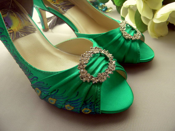 Свадьба - Wedding Shoes painted Emerald Peacock Feather Sale Brooch Valeria
