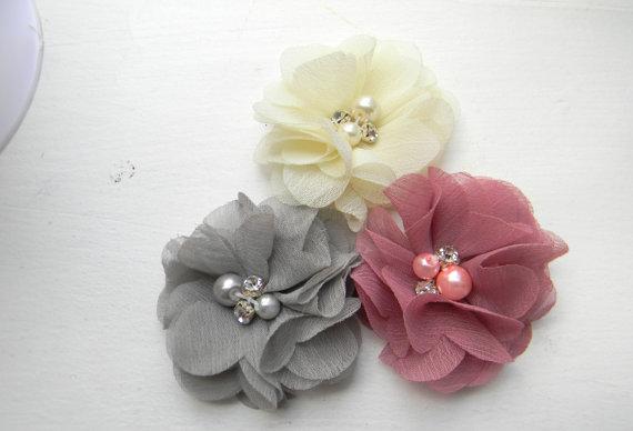 زفاف - 3 Chiffon flower clips ivory mauve grey clip Boutique Style hair bow baby toddler child pony tail wedding flower girl shabby photograhy