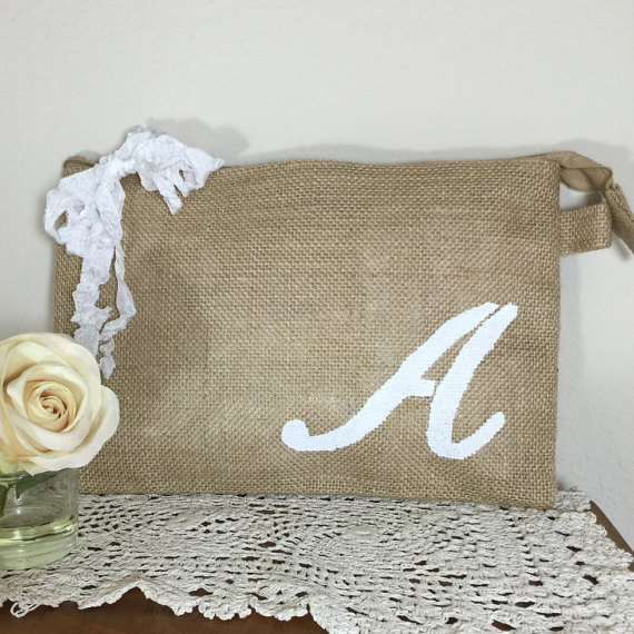 Wedding - Ser of 7 personalized bags, Bridesmaid clutches, Rustic wedding, Bridesmaid gifts, Wedding clutch, Wedding bags, Burlap bags, Wedding
