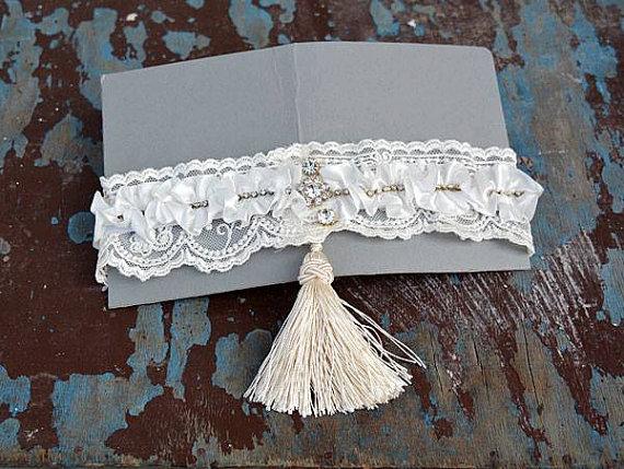 Mariage - Wedding leg garter, Wedding Garter Set,Bridal Garter Set,Of White Lace Garter, Bridal Accessory,Wedding Accessory