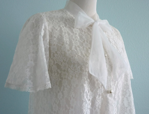 Mariage - 1960's Miss Elaine White Lace Dressing Gown/Robe size Small