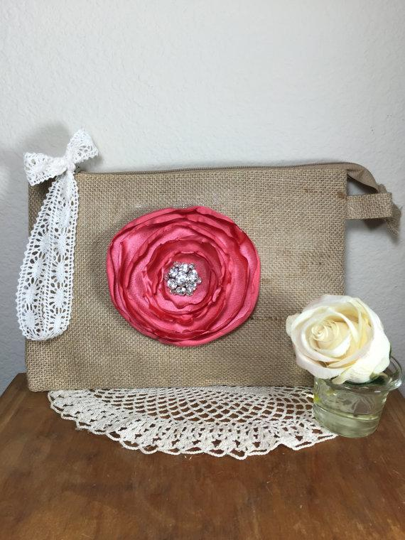 Свадьба - Ser of 7 Burlap wristlet bags, Bridesmaid clutches, Rustic wedding, Bridesmaid gifts, Wedding clutch, Wedding bags, Burlap bags, Wedding