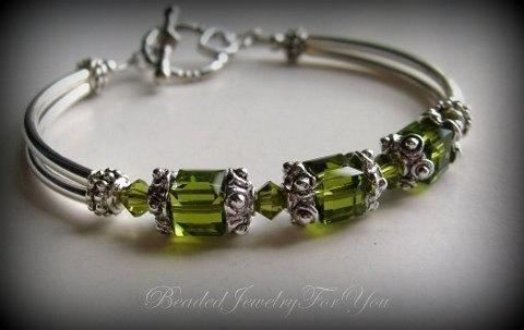 Свадьба - FIVE Bridesmaids Bracelets: Green Bangle Bracelet, Olivine Green, Crystal Green, Wedding Bracelet, Bridal Jewelry, Wedding Jewelry Sets
