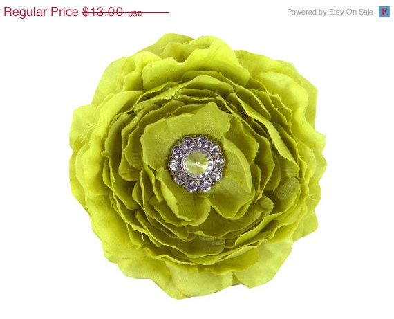 Свадьба - ON SALE Lime Dog Collar Flower, Collar Accessory: Ruffled Rani in Willow Green