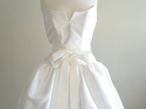 Mariage - Soft White Antique White Satin Bridal Sash Belt,Double Face Ribbon Bridal Sash 2 1/4 Inch or 1.5 inch,Ready to Ship Wedding Accessories
