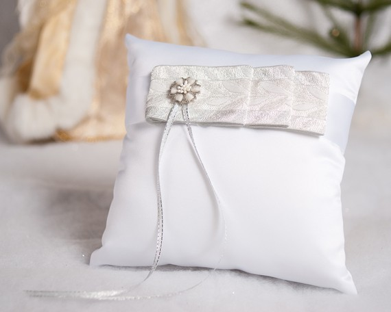 Hochzeit - Winter Woodland Wedding Ring Pillow - 750106