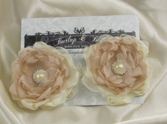زفاف - Bridal  Shoe Clips  Pearl and Rhinestone  Bridal Accessory by Burlap And Bling Design Studio