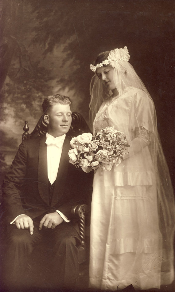 Beautiful EDWARDIAN WEDDING GOWN - Tender Photo Of Bride Holding ...