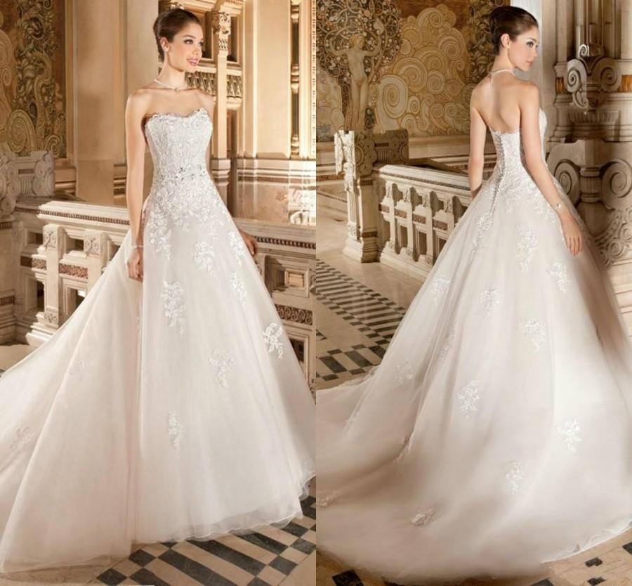 Exquisite Strapless Ball Gown Wedding Dresses Lace Tulle