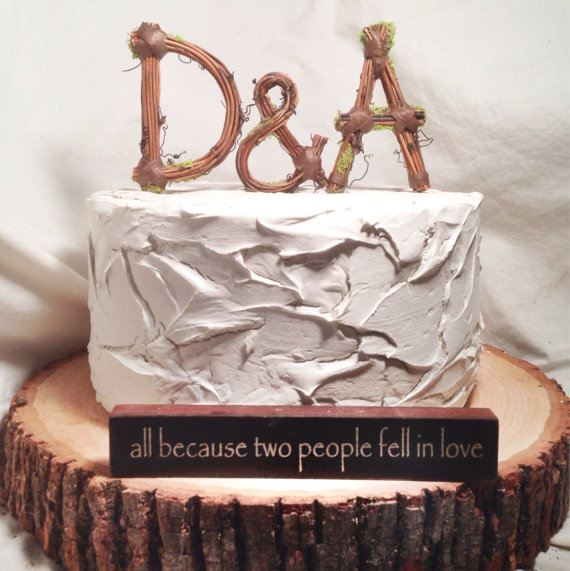 زفاف - Rustic Monogram Wedding Cake Topper:  Personalized- Any Two Letters and a Heart
