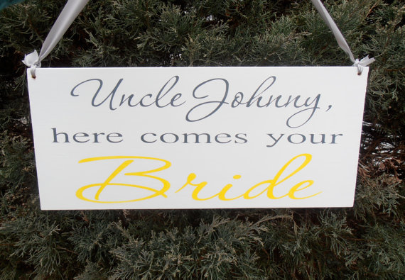 Mariage - Uncle here comes your bride Wood Sign Decoration Here comes the bride sign Ring bearer Flower girl