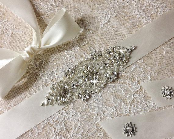 زفاف - Wedding sash, Bridal belt , Bridal sash - satin ribbon with crystal and rhinestone beaded applique sash, custom color