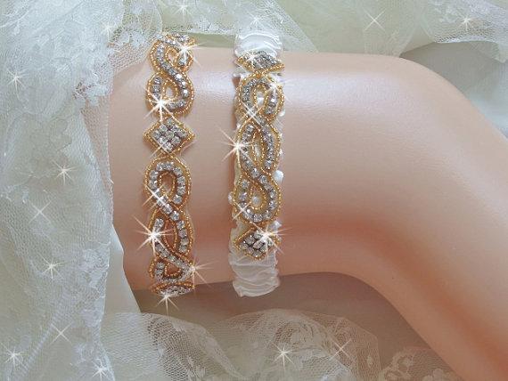 Свадьба - Gold Regular or Queen Size Wedding Garter Set, Gold Trim Wedding Garter Etsy, Gold Beaded Bridal Garter Set, Gold Rhinestone Wedding Garters