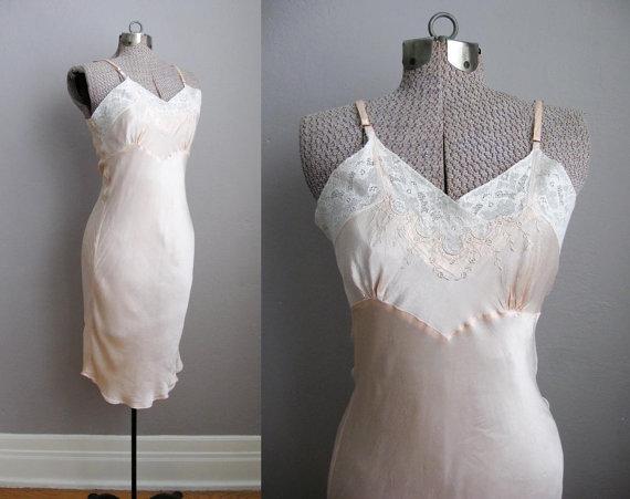 Hochzeit - 1930s Vintage Slip Bias Cut Pink Satin Lace 30s Lingerie / S