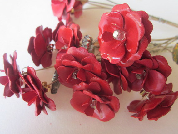 Свадьба - Red Metal Rose Bouquet With Stems