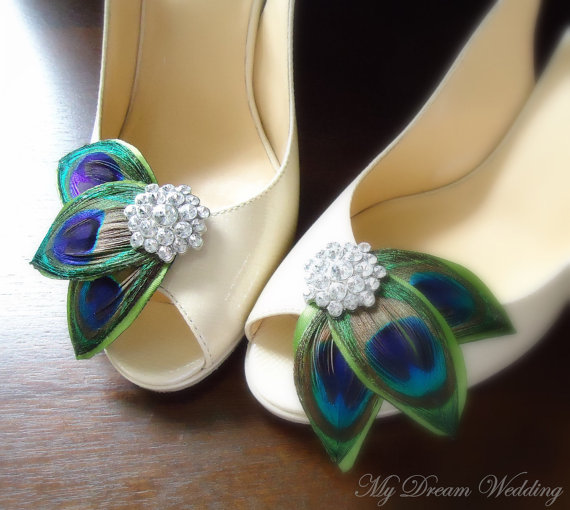 Mariage - Peacock Shoe Clips. Green peacock leaves Shoe Clips. Feathers, Wired petals, Bride, Bridal, Wedding. -LISSA MARIE CLOLLECTION-