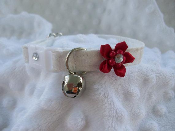 Свадьба - Wedding  Cat Collar with Rhinetones and bell   Wedding Cat  Breakaway Collar Custom Made