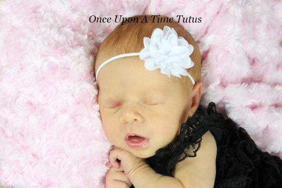 Свадьба - White Silky Chiffon Flower Skinny Elastic Headband - Petite Toddler Girl Photo Prop - Newborn Baby Hairbow - Girls Baptism Hair Bow