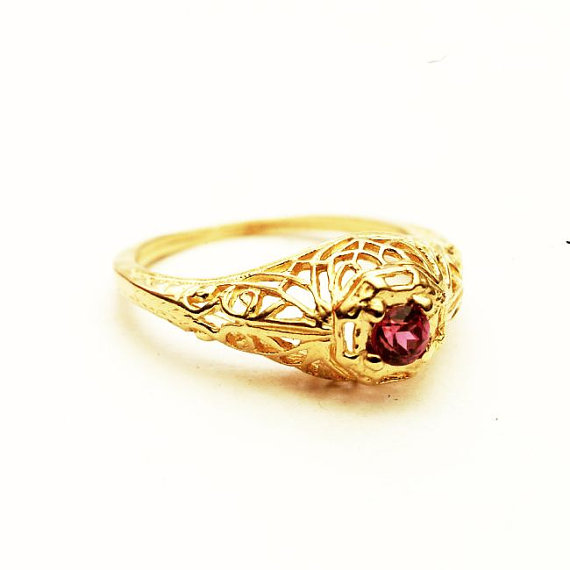 Mariage - Filigree Pink Spinel Engagement Ring 14K Yellow Gold, Size 4 (V263)