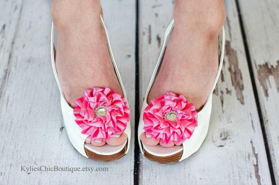 Hochzeit - Pink Shoe Clips - Wedding, Bridesmaid, Date Night, Party, Everyday wear