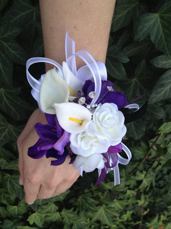 Hochzeit - Custom Listing for Debra / 3 Wrist Corsages