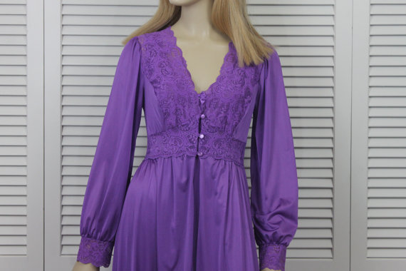Свадьба - Vintage Purple Peignoir Set Shadowline Size Small