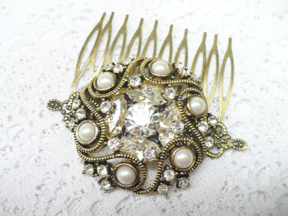Mariage - Vintage Gold PEARL and RHINESTONE Bridal Hair Comb - vintage WEDDING - Bronze - faux pearl - vintage Bridesmaid - Heriloom Keepsake - Bride