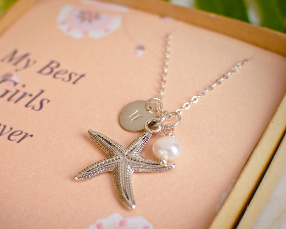 Mariage - Starfish and Initial and Pearl Personalized Bridesmaid Necklace - Beach Wedding - Large Star Fish Customized Initial Jewelry - set of gifts