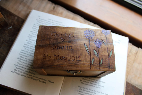 Mariage - Rustic Woodburned Ring Bearer Box - Allium