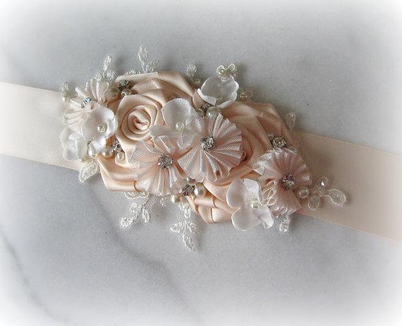 زفاف - Pale Blush Pink Bridal Sash with Ivory Lace and Flowers, Crystals and Pearls, Petal Pink Wedding Belt - WINK