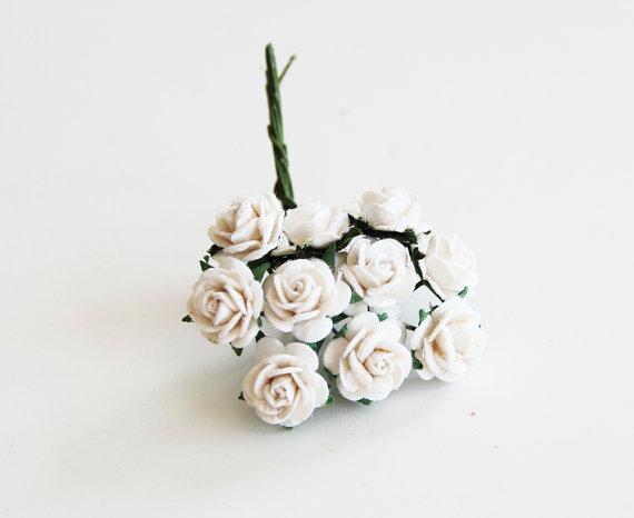 Свадьба - 10 pcs - White  mulberry paper 1 cm roses