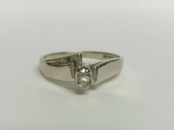 Mariage - Estate 10k White Gold Marquise .15ct Diamond Ring Engagement Wedding Anniversary Promise