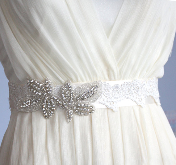 Mariage - Wedding Sash for brides-- with crystal rhinestones and lace in ivory S15