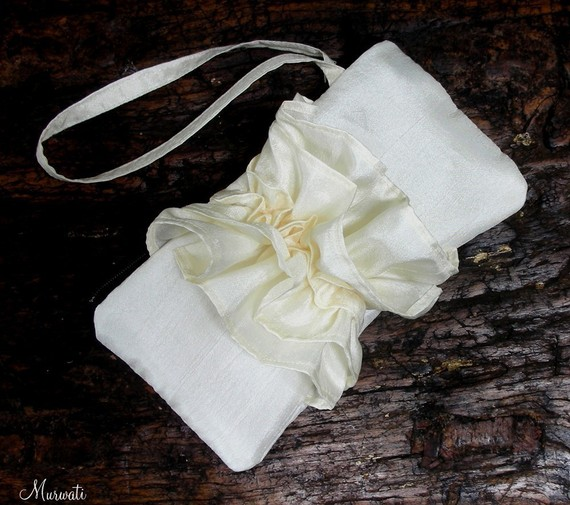 Mariage - Ivory Bridal Clutch - Bridesmaids Clutch - Fairy Tale Wedding / Ready To Ship